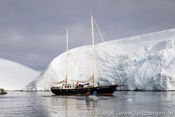 180131a_Melchior-Islands_008a - SY Anne-Margaretha
