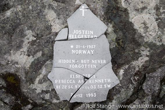 Gedenktafel für Jostein Helgestad